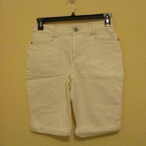 NWT - St. John's Bay denim Bermuda shorts - sz 6